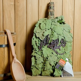"""Broom for a bath """"Lavender Provence"""" from Caucasian oak with lavender, in individual packing 45840"""