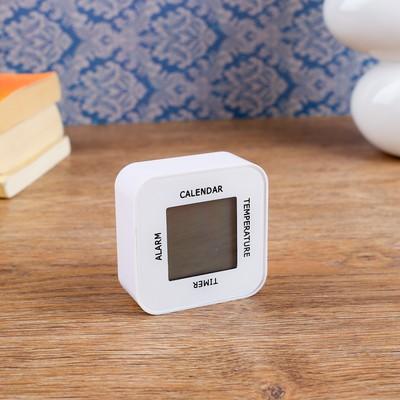 Часы-будильник электронные, с акселерометром, термометром и календарем, 7х7 см, 2ааа