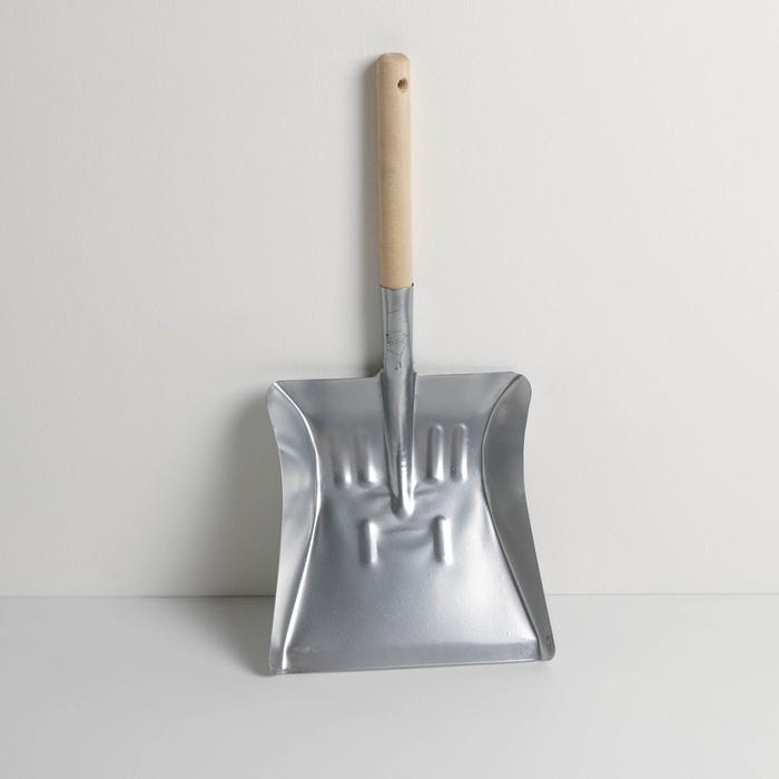 Совок универсальный с деревянной ручкой, 23×22×22 см, порошковое покрытие