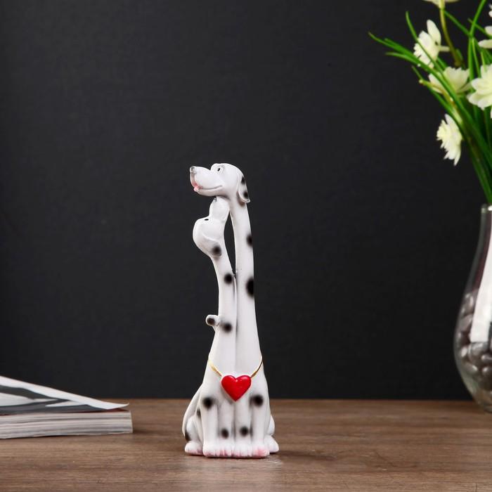 "Сувенир полистоун ""Пёсики - далматинцы с сердечком"" 17х5,7х5,7 см"