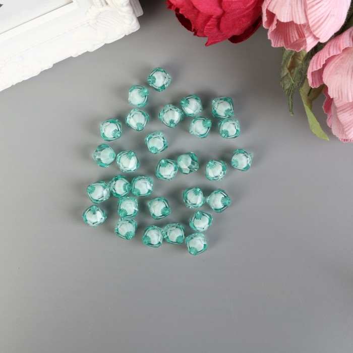 """Набор бусин для творчества пластик """"Кристалл-многогранник светло-зелёный"""" 20 гр 1,2х1,4 см - фото 414412"""
