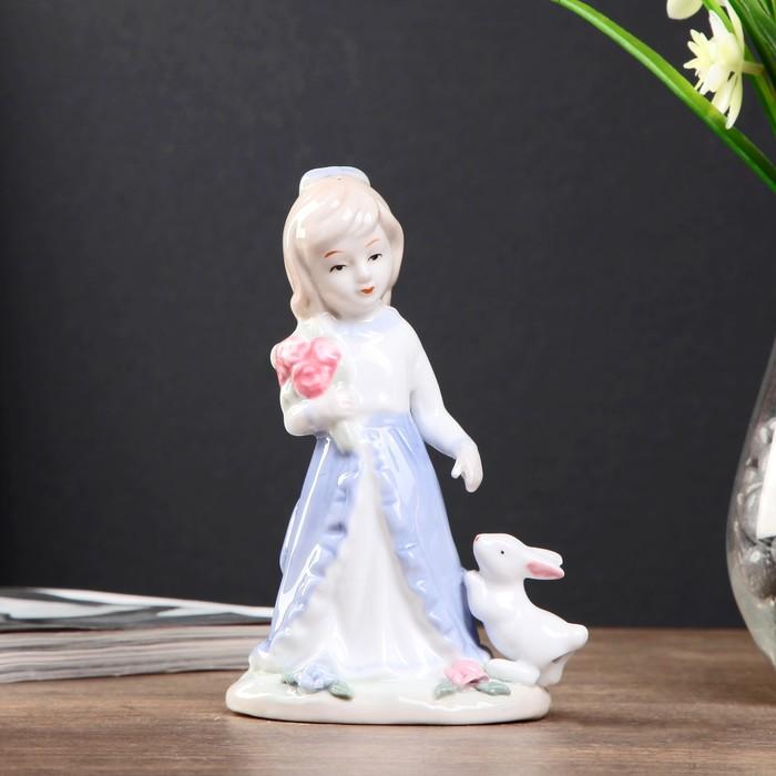 """Сувенир керамика """"Девочка с букетом роз с кроликом"""" 15х9х6,5 см"""