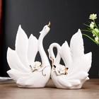 "Сувенир керамика ""Лебеди с розами"" набор 2 шт белый с золотом 21,8х16,8х7,8, 25х19х9 см"