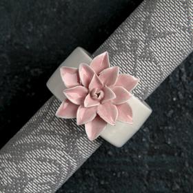 "Кольцо для салфеток ""Цветок"", цвет розовый"