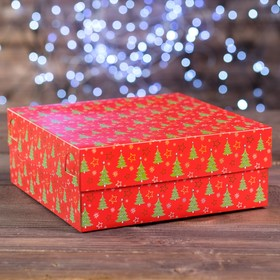 "A cardboard box of 9 cupcakes ""Christmas Tree red"", 25 x 25 x 10 cm"