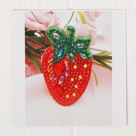 """Diamond embroidery keychain """"Strawberry"""""""