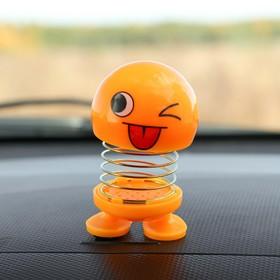 Смайл на пружинке, на панель в авто, подмигивает, желтый в Донецке