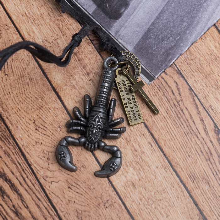 "Кулон мужской ""Резон"" скорпион, цвет чернёное серебро на чёрном шнурке, 80 см"