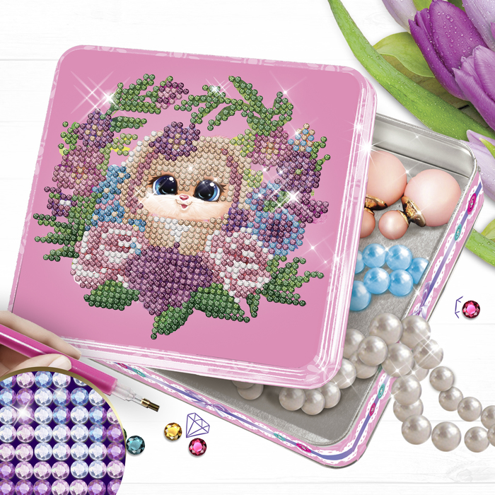 Алмазная вышивка на шкатулке «Зайка в цветах» 14 × 13,6 см
