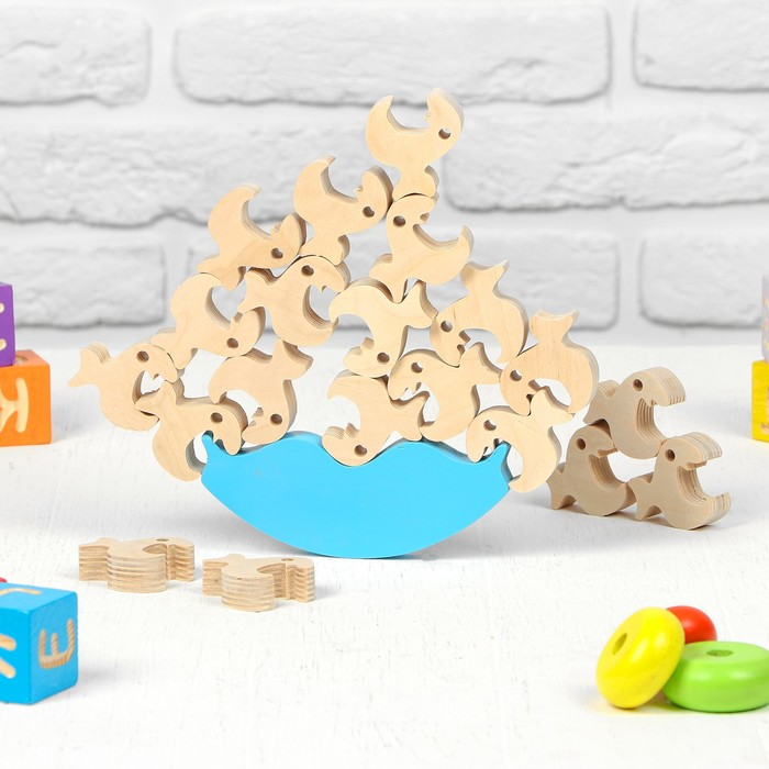 "Развивающая игрушка-балансир ""Пираньи"""
