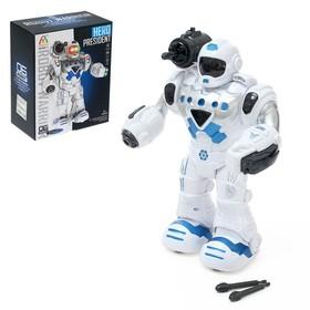 Робот «Герой», световые и звуковые эффекты, работает от батареек, цвета МИКС