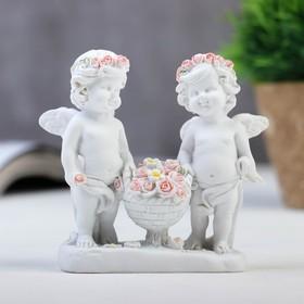 """Сувенир полистоун """"Белоснежные ангелы в розовых веночках с корзиной роз"""" 9х9х3,5 см"""