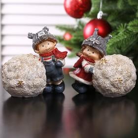 "Souvenir Polyresin ""Boy/Girl in the hat animal with a snow globe"" MIX 10x10. 5x6. 5 cm"