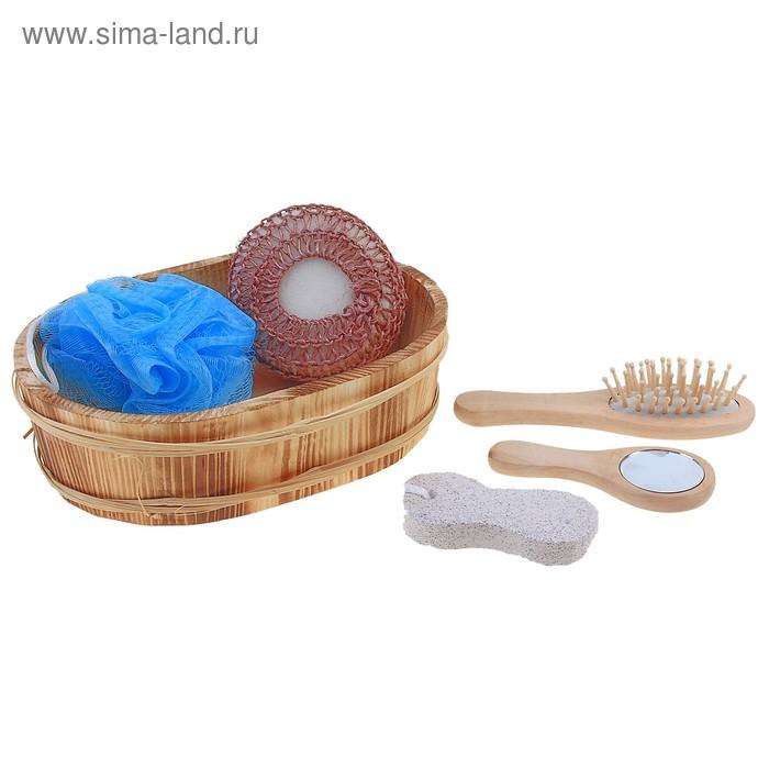 Набор банный в деревянном ушате 5 предметов: 2 мочалки, расческа, пемза, зеркало, цвета микс