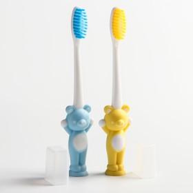 Детская зубная щетка на присоске «Мишка», с защитным колпачком, цвет МИКС - фото 7311102