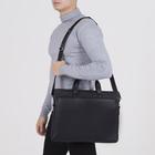 Сумка мужская, отдел на молнии, 2 наружных кармана, длинный ремень, цвет чёрный - фото 732646