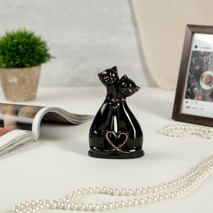 "Сувенир керамика ""Чёрные кошки с сердечком"" с золотом 13,5х8х5 см"