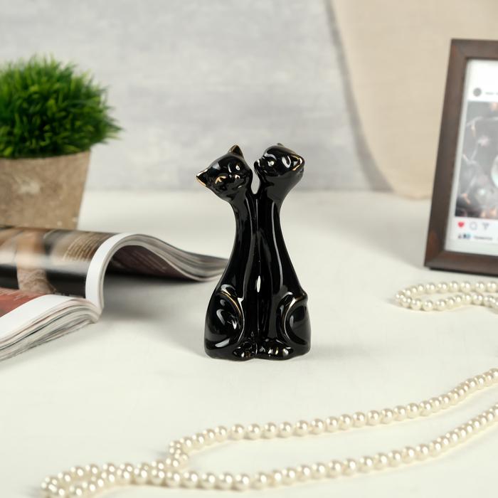 """Сувенир керамика """"Чёрные кошки - объятия"""" с золотом 13,5х6,5х4 см"""