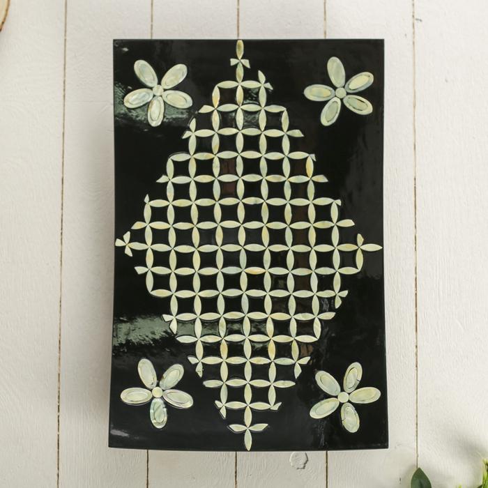"""Интерьерное блюдо """"Цветы"""" с мозаикой из перламутра"""