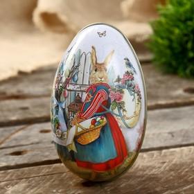 "Шкатулка металл яйцо ""Зайка с корзинкой крашенных яиц"" 11х6,5х7 см"