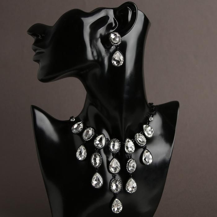 """Набор 2 предмета: серьги, колье """"Волшебный век"""" капля округлённая, цвет белый в чёрном"""