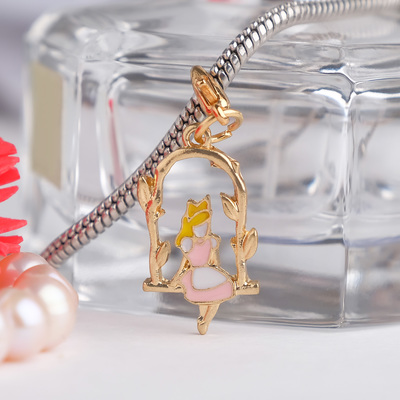 "Charm ""Thumbelina"", color white-pink gold"