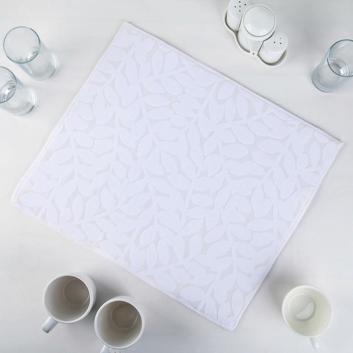 """Коврик для сушки посуды 38×50 см """"Папоротник"""", микрофибра, цвет белый"""