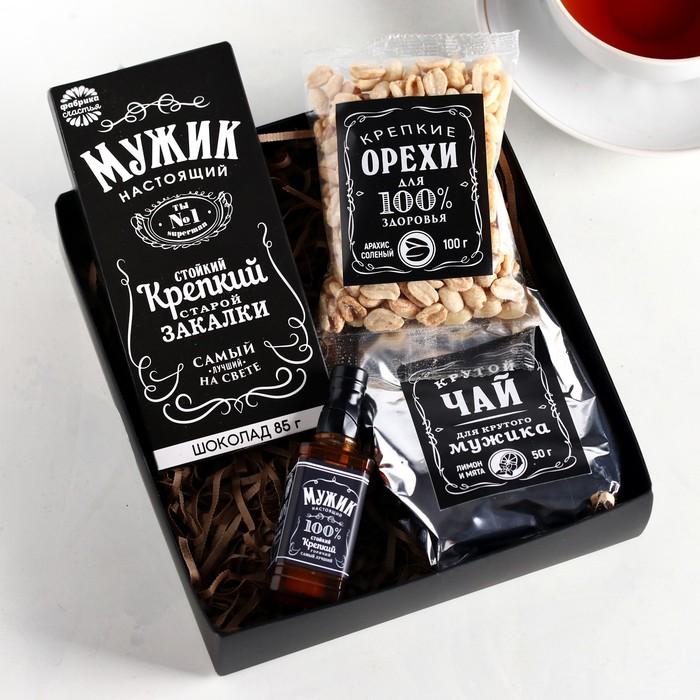 Набор «Настоящий мужик»: чай 50 г, шоколад 85 г, арахис солёный 100 г, зажигалка газовая