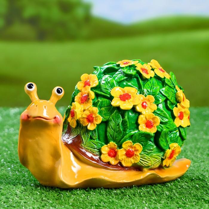 """Садовая фигура """"Улитка резная"""" акрил, цветы желтые 20х11х12см - фото 792344"""