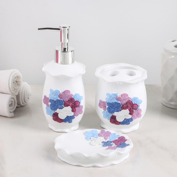 Набор аксессуаров для ванной комнаты «Фиалки», 3 предмета (дозатор 250 мл, мыльница, стакан) - фото 1001768