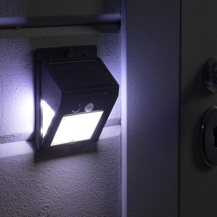Светильник уличный с датчиком движения, солнечная батарея, 8 Вт, 30+5+5 LED, черный