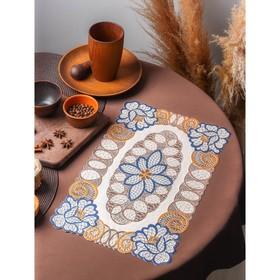 A napkin tracery 45x30 cm