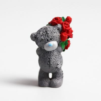 """Polyresin souvenir """"Teddy Bear Me to you with a huge bouquet of scarlet roses"""" 4.5 cm"""