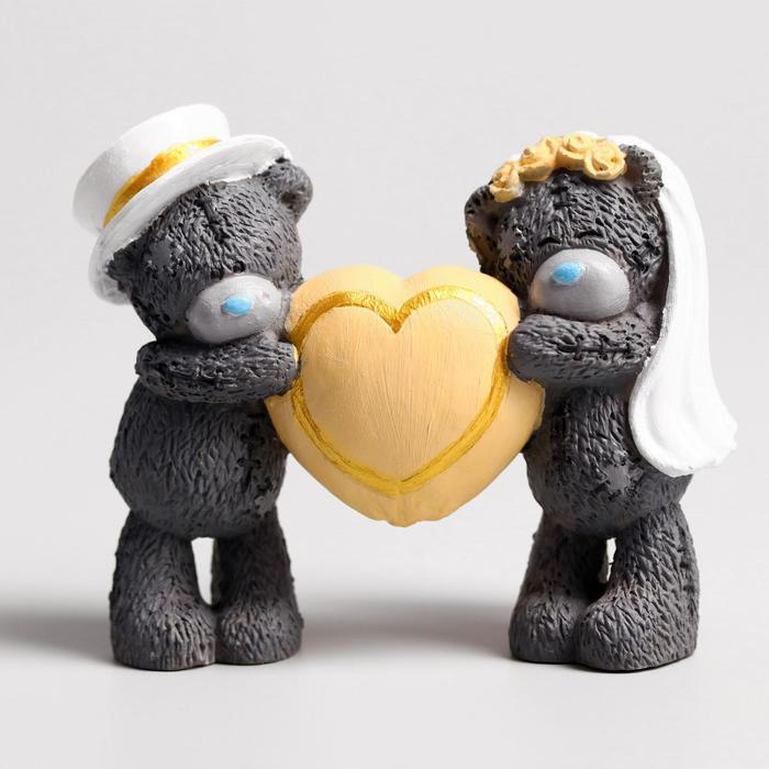 """Сувенир полистоун """"Медвежата Me to you свадебные с большим сердцем"""" 8х10 см"""