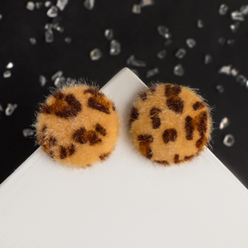 Earring Animal circle, color black and brown E88814