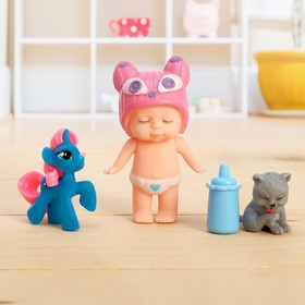 """Bobblehead """"Baby"""" with Pets, with accessories, MIX"""