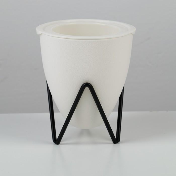 Кашпо с подставкой «Акцент»,11,2×11×12,5 см, цвет белый - фото 838386