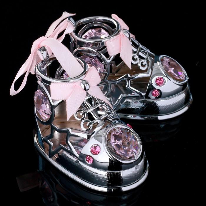 "Сувенир с кристаллами Swarovski ""Пара ботиночек"" хром 7,7х6 см - фото 487794"