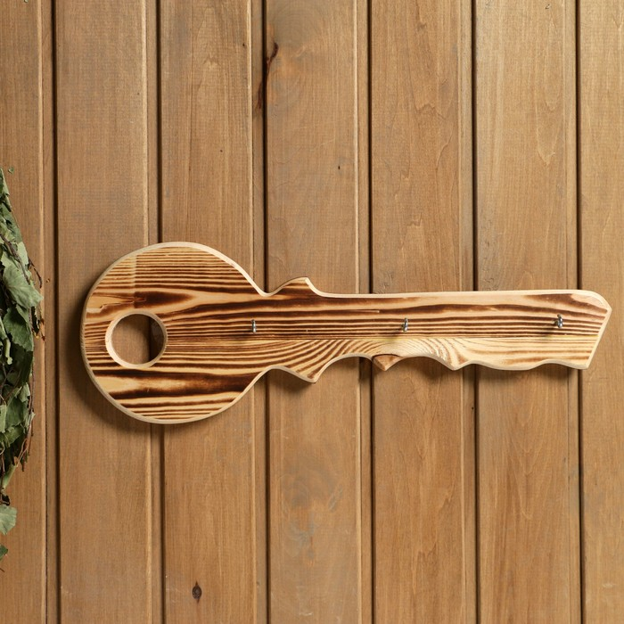 "Вешалка ключница ""Ключик великана"", 3 крючка, сосна, обжиг, 40×25 см"