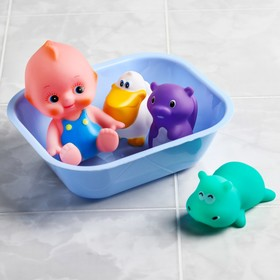 """A set of bath toys """"baby Doll +3 toys in the tub"""""""