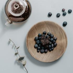 Тарелка из натурального кедра, d=18,5 см Ош