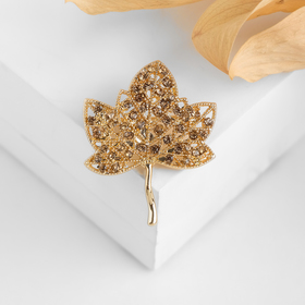 "Brooch ""Leaf"" green in gold"