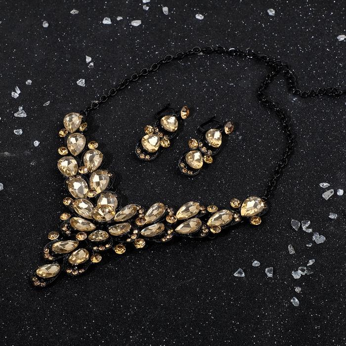 """Набор 2 предмета: серьги, колье """"Волшебный век"""", цветы виола, цвет чёрно-золотой"""
