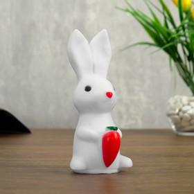 Ночник 'Зайчик с морковкой' LED батарейки 3хLR44 белый 7х8х15 см Ош