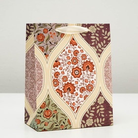 """Package gift """"Beautiful pattern of flowers"""", red, luxury, 17.8 x 23 x 9.8 cm"""
