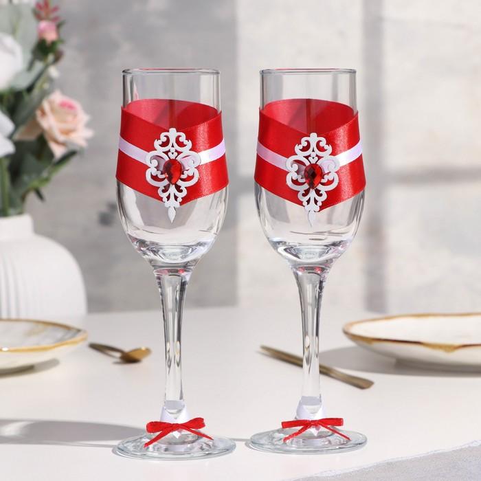 """Набор свадебных бокалов """"Прага"""", ручной работы, белый-красный, 6х6х20,5 см, 2 шт. - фото 489430"""