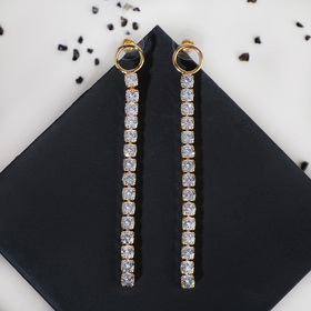 "Earrings dangling with crystals ""Track"" round, color gold"
