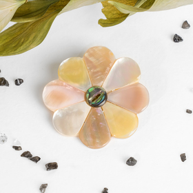 """Brooch """"Pearl"""" flower Buttercup, color pink"""