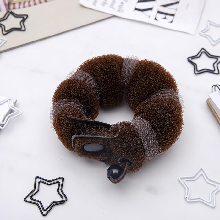 Валик для волос с кнопкой и резинкой, коричневый