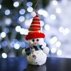 """Игрушка световая """"Снеговик со звездочками в шапочке"""", батарейки в комплекте"""